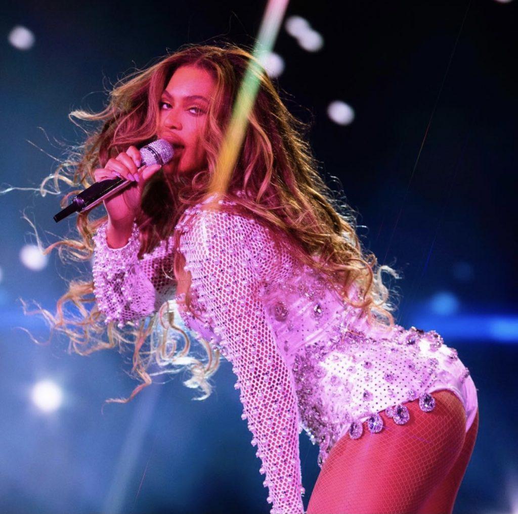 Beyonce live show wig
